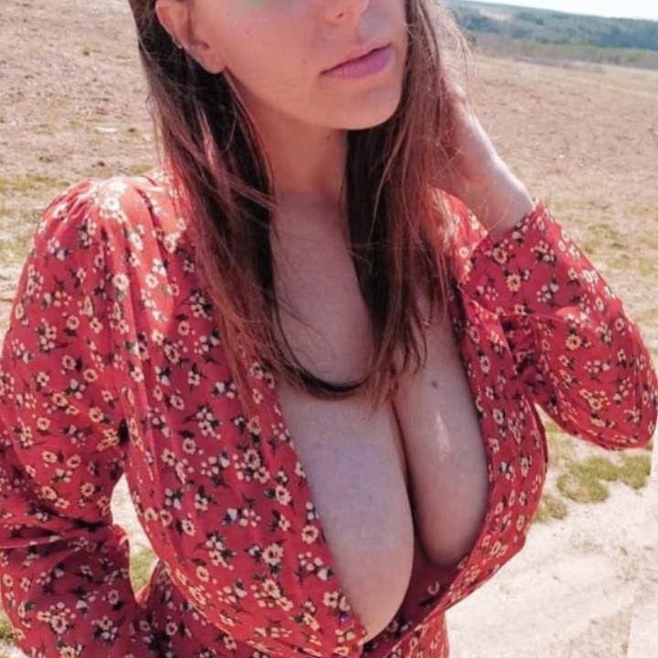 Huge breast dating aussie girls dating